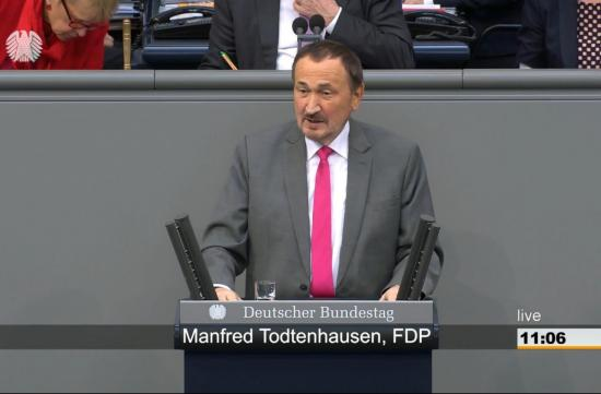 Manfred Todtenhausen im Plenum des Deutschen Bundestags