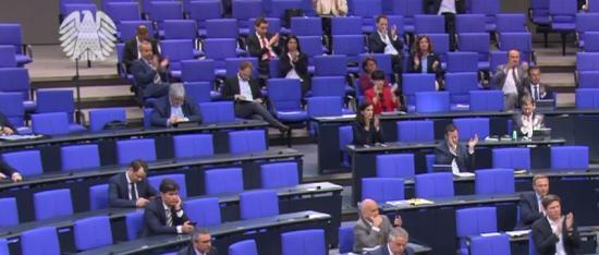 Plenarsitzung mit Abstand